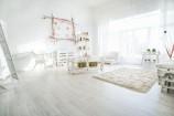 Salon w stylu skandynawskim - jak go urządzić?