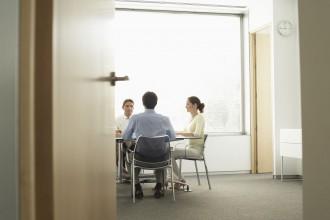 Trwałość okleiny na drzwiach - co ma na nią wpływ?