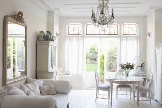 Jak urządzić mieszkanie w stylu romantycznym?