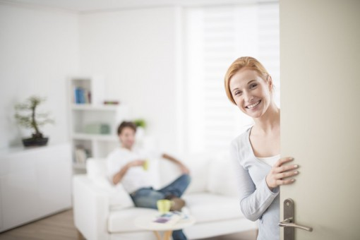 Jak wymienić drzwi w mieszkaniu – kilka porad praktycznych