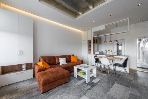 Kuchnia połączona z salonem - sposób na brak okna kuchennego