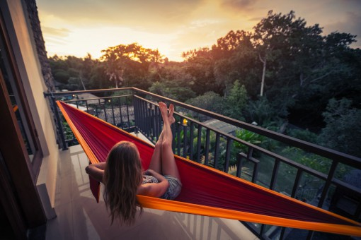 Balkon – strefa relaksu, domowy ogródek czy dodatkowa przestrzeń dla domowników?