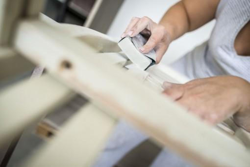 Jak odnowić stare meble - sposoby na samodzielną renowację mebli
