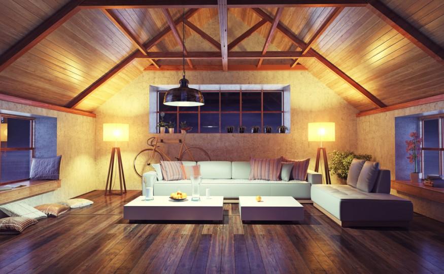 Drewno w mieszkaniu to także sufit