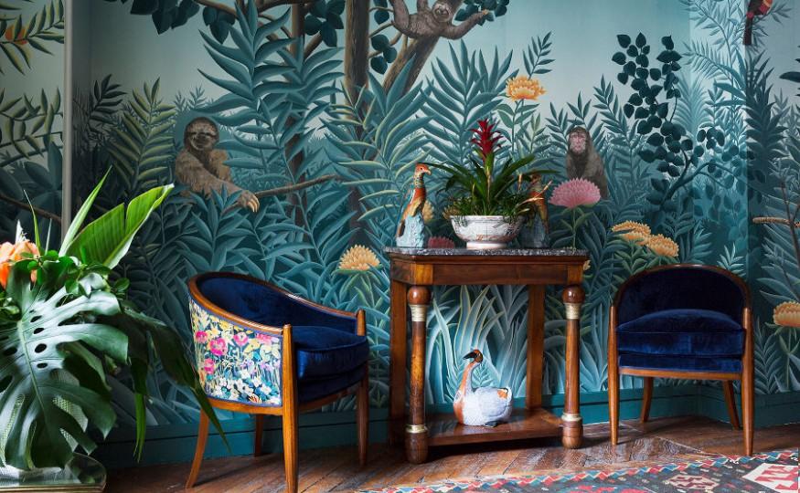 Egzotyczne aranżacje tapety w salonie