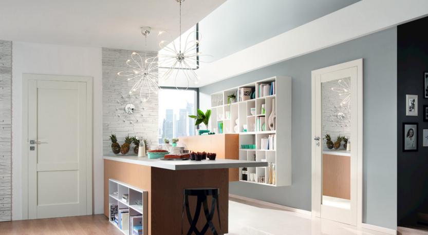Drzwi z lustrem - sposób na rozjaśnienie mieszkania