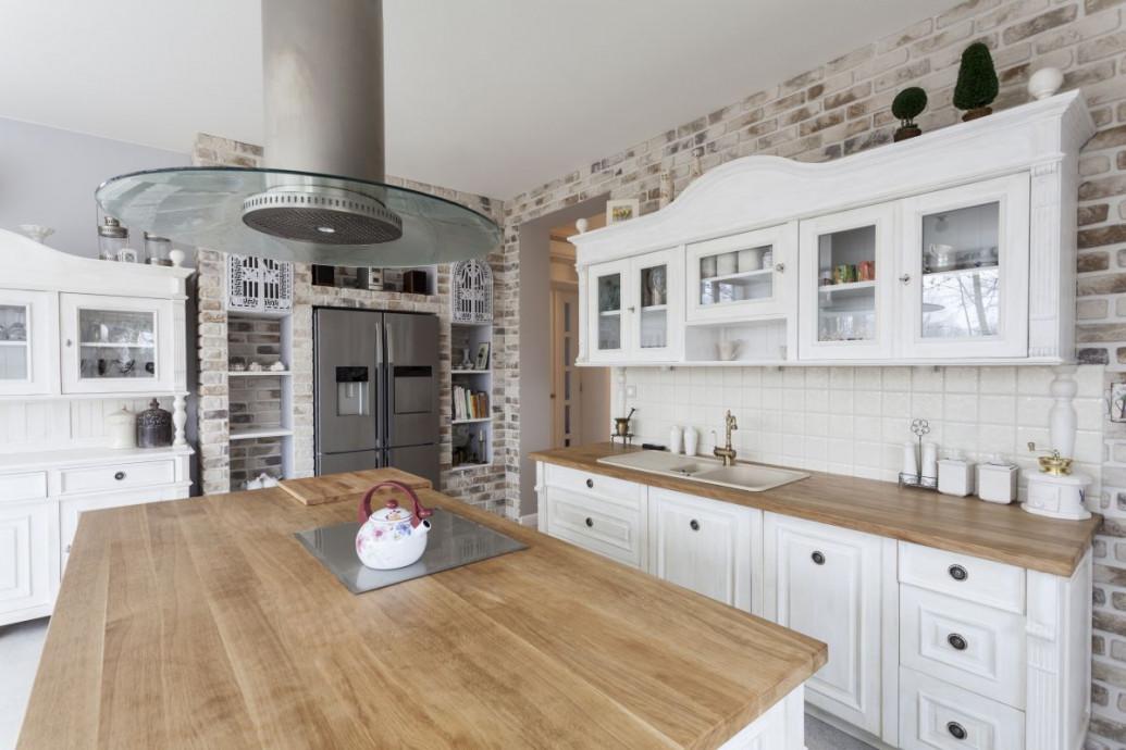 Drewniany blat kuchenny - wady i zalety
